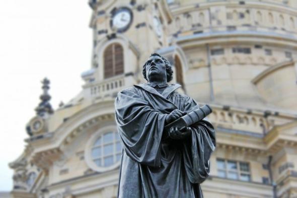 Le Vaticanet les Protestants : (Plus de 250) dirigeants  protestants  signent une nouvelle confession catholique