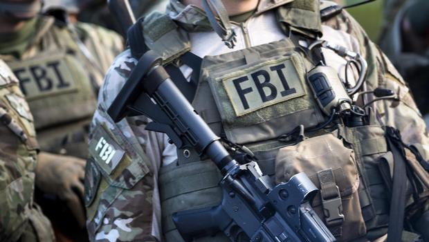 Etats-Unis – Haute trahison : Les militaires doivent désarmer et dissoudre le FBI pour haute trahison.