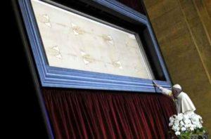 Suaire de Turin Taches de sang vraisemblables, pas de Jésus-Christ: Experts médico-légaux