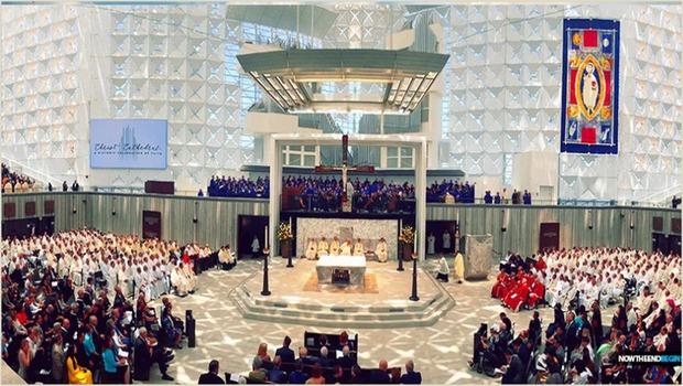 La Prophétie des temps de la fin : Le grand tournant de la Cérémonie d'inauguration