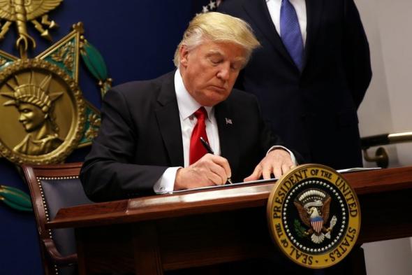 USA : Plus de 100 dirigeants conservateurs exhortent Trump à signer un décret sur la liberté religieuse