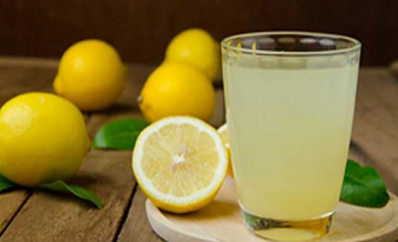 Santé Astuce : Si vous buvez de l'eau chaude avec du citron pendant un an, voici ce qui va arriver